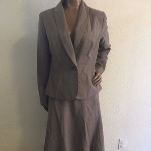 Women's 6/8 Merona light brown suit set outfit